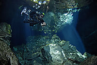 America, Mexico, Yucatan,  Playa del Carmen, Taj Mahal, Dive at the Cenotes in Tajmahal, freshwater cavediving, cavediver, sunlight from the ceiling, cave, diver, tek diving, tec diving, technical dive, cave dive, cavern diving