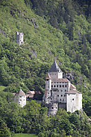 Europe, Italy, South Tyrol, Trentino-Alto Adige, Eisack Valley, fortress, castle Trostburg, stronghold, spring