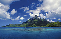 Oceania, French Polynesia, Society Islands, South Sea Islands, South Pacific, Bora Bora, dream of an island, blue lagoon in front of a green holiday island, vacation, relaxing, dreams