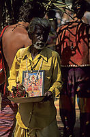 Asia, India, hippie market place Anjuna, indian priest