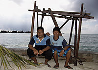 Asia, Malaysia, Borneo, Sabah, Eastmalaysia, Mabul Island, Sipadan, artifical reef, manmade, SMART, worker with wooden construction